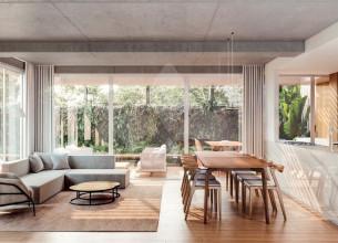Apartamento com 3 dormitórios 197 m² Três Figueiras - Porto Alegre/RS